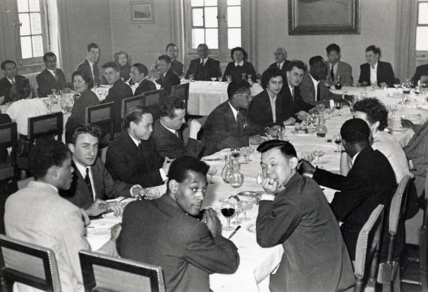 Banquet de l'Ascup, tennis de table, avec le Recteur Marchaud en 1952