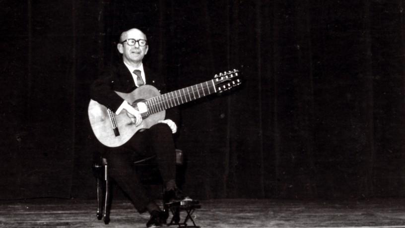 Narciso Yepes, concert à la Coupole du Théâtre de la Cité - 15 décembre 1975 // Crédits : Paul Marcel @ Alliance Internationale