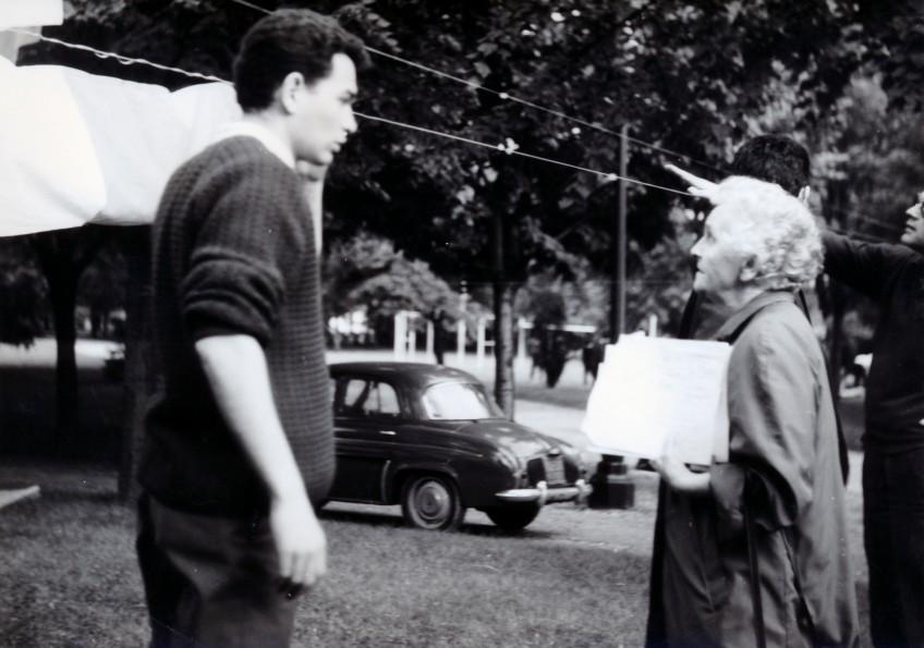 Jeanne Thomas, lors des préparatifs de la Fête des nation de 1964
